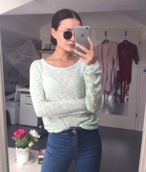 Mintgrüner Pullover