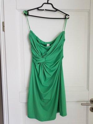 Mintgrünes Kleid von der Marke Vila