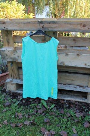 Mintgrünes Oberteil mit RückenfreienStellen