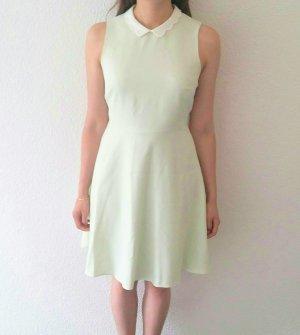 Mintgrünes Sommerkleid mit weissem Kragen von Dorothy Perkins