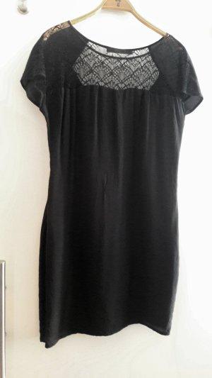 MINUS Copenhagen: Kleid aus Seide, mit Spitze vorne und am Rücken