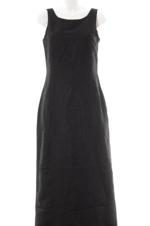 Miss H. Abendkleid schwarz schlichter Stil