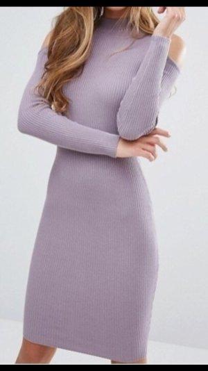 Miss Selfridge – Figurbetontes, geripptes Kleid mit Schulter-Cutout - NEU!