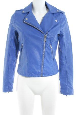Miss Selfridge Lederjacke blau Boyfriend-Look