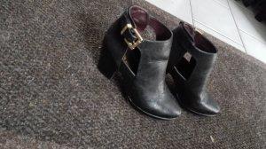 Miss Selfridge schwarze Ankle Boots goldene Schnalle Größe 40