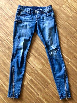 Miss Sixty - Skinny Jeans mit Reißverschlüssen und Cut am Knie