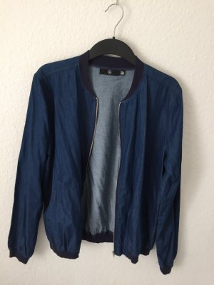 Missguided Bomberjacke aus Jeans