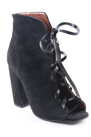 Missguided Cut-Out-Stiefeletten schwarz extravaganter Stil
