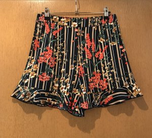 Missguided Shorts bunt Blumen gr. 38 Blogger neu