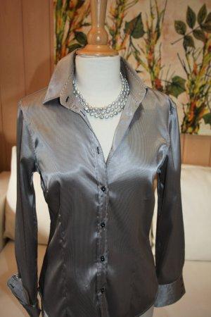 Mit wenig gut aussehen. Hemdbluse  von Zara.  Gr. 38 (S)