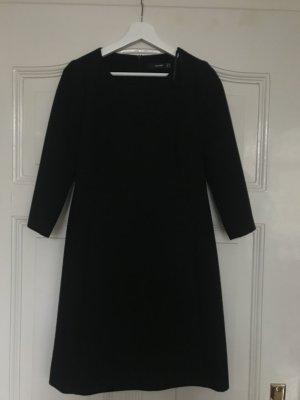 Mittel langes Kleid