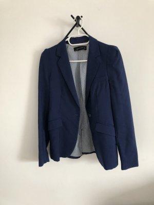 Mittelblauer Blazer mit tollen Schultern