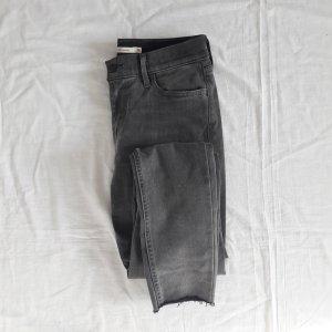 Mittelgraue Jeans 710 LEVIS 28