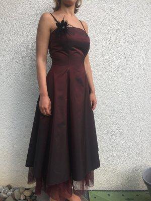 Mittellanges Abendkleid, 1mal getragen