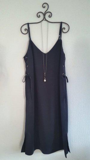 Mittellanges Träger-Kleid Gr. 40