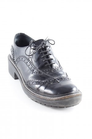 Miu Miu Wingtip Shoes black Brit look