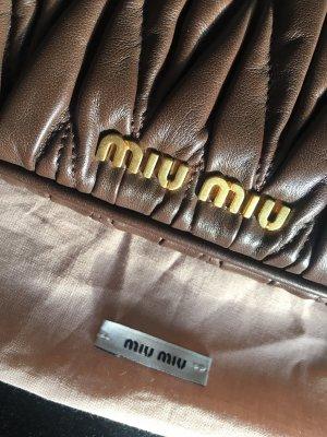 Miu Miu clutch aus Leder