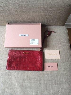 Miu Miu Clutch in Rubino Rot --- Originalverpackung!!