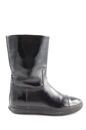 Miu Miu Korte laarzen zwart casual uitstraling
