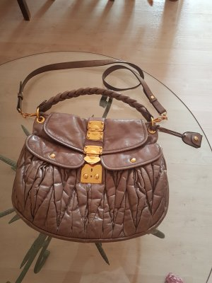 MIU MIU Matelasse Bag aus Leder mit goldener Hardware u Schlüssel