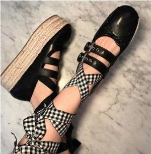 Miu Miu Plattform Espadrilles 39,5 Sandalen aus Leder und Bast