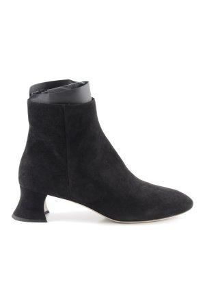 Miu Miu Reißverschluss-Stiefeletten schwarz Street-Fashion-Look