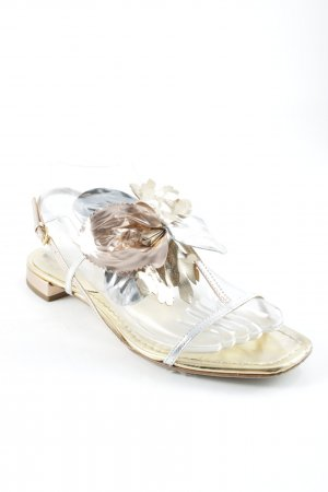 Miu Miu Riemchen-Sandalen mehrfarbig Street-Fashion-Look