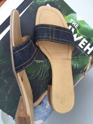 MIU MIU - Sandalen, edel, Holzabsatz, dunkler Jeansstoff, gut erhalten Gr. 38