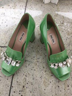 Miu Miu Schuhe in grün. Noch nie getragen mit Staubbeutel