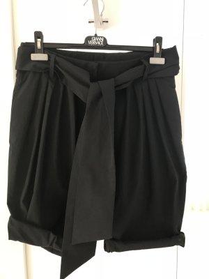 Miu Miu Shorts schwarz