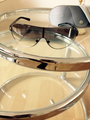 Miu Miu Sonnenbrille mit Original-Etui