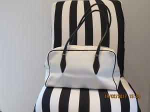 Miu Miu Bolso de bolos blanco-negro Cuero