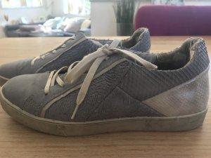 MJUS Sneaker