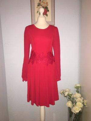 MK Neues, atemberaubendes rotes Kleid