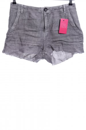 MNG Shorts gris claro look casual