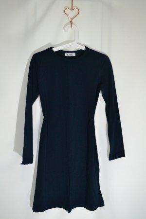 Modanisa Basic Top Lang Kleid Gr. S Dunkelblau