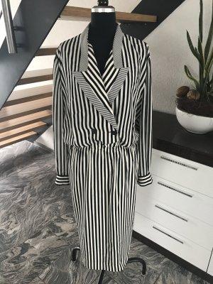 Modebewusste Damen aufgepasst, Kleid von Louis Feraud in 46