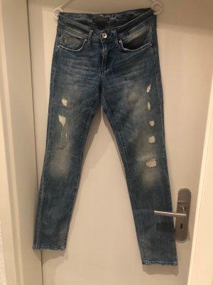 Moderne blaue Used Staff Jeans