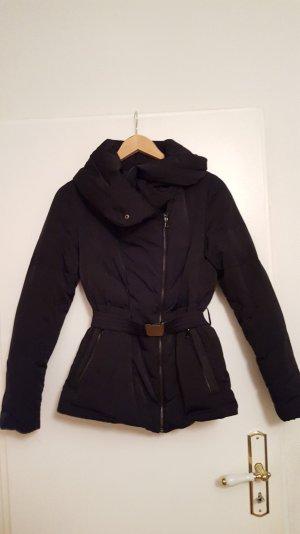 Moderne Daunenjacke / Schwarz / Zara