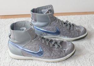 Moderne Nike Sneaker