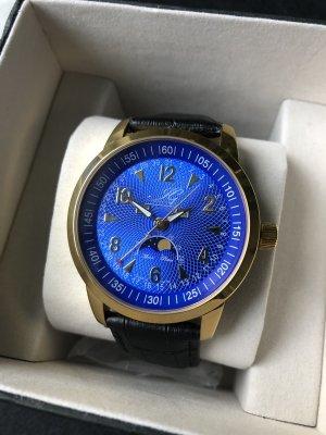 Moderne sportliche Armbanduhr