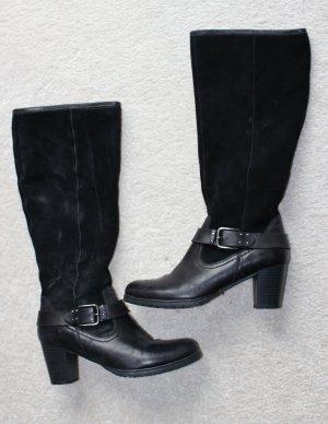 Moderne Stiefel in schwarz