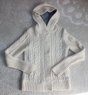 Moderne Strick Jacke mit Zopfmuster