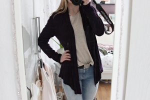 Moderner Cardigan in lila