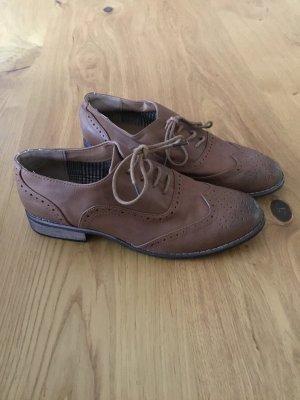 Moderner sportlicher Schuh
