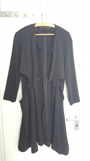 Moderner Trenchcoat von Zara