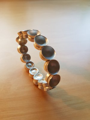 Modernes Armband