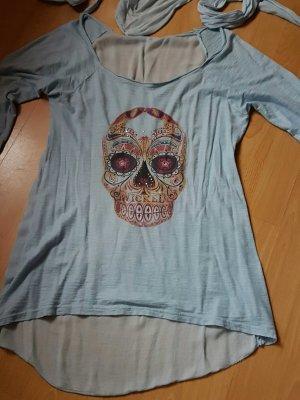 modernes shirt mit halstuch