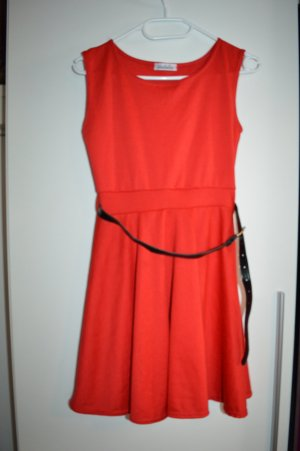 Pinafore dress red