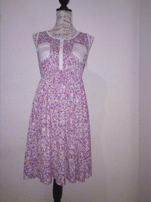 Modernes Sommerkleid